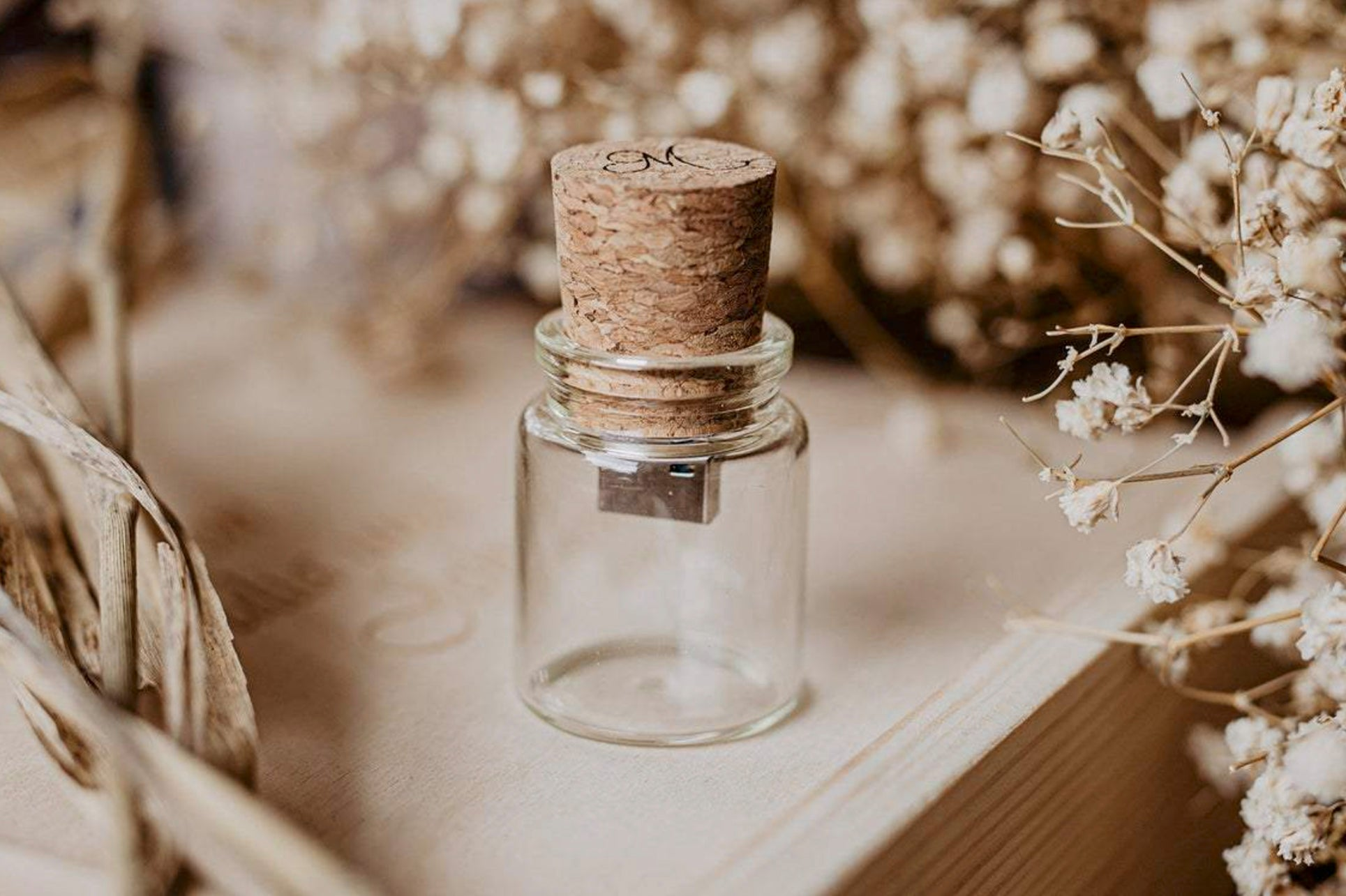 Cork-And-Bottle-USB